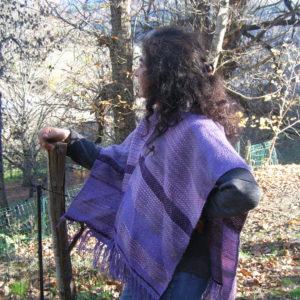 Ruana violette tissée laine